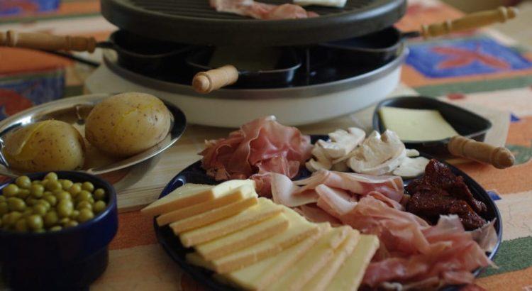 raclette mit käse und schinken